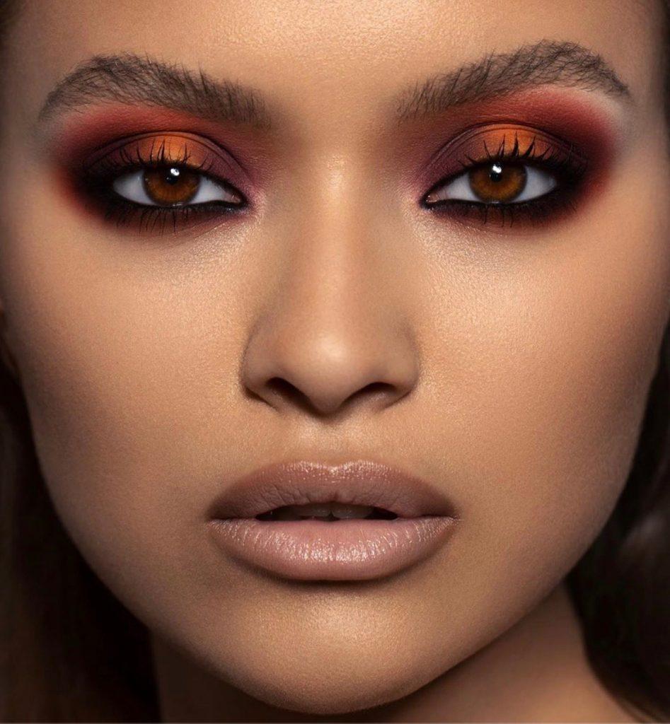 Rostro maquillaje de noche piel india