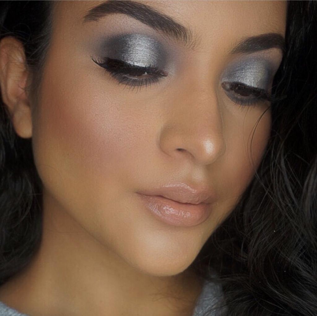 maquillaje gris y negro