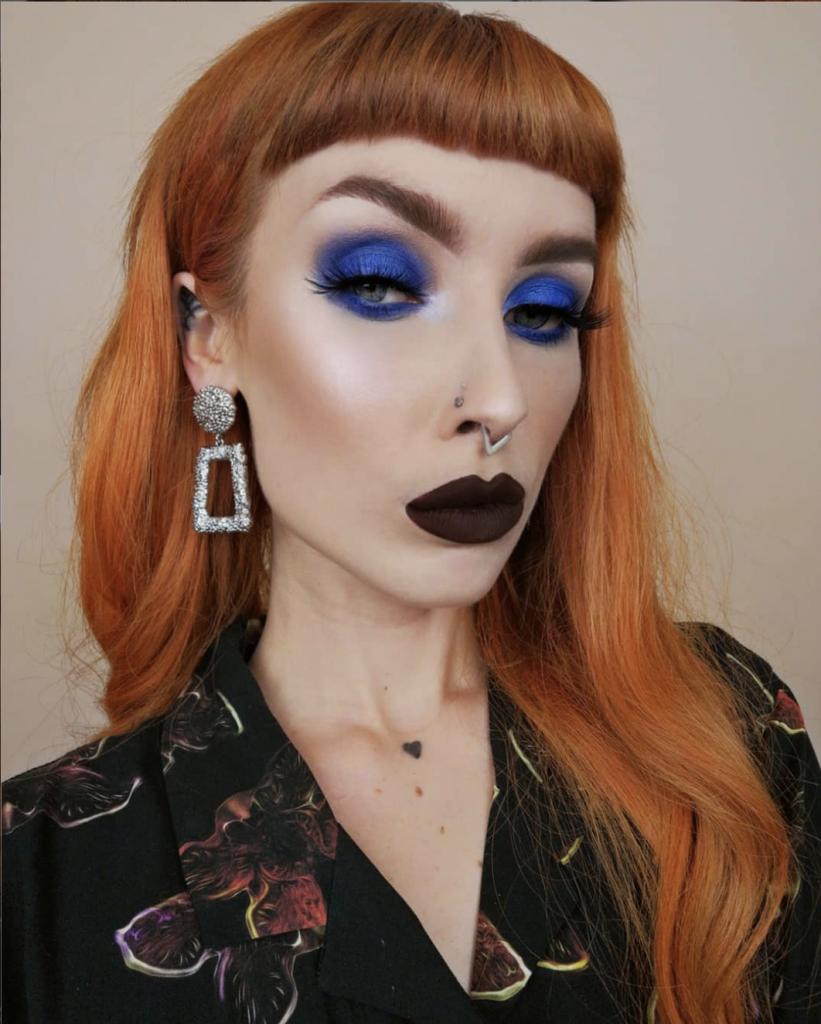 Maquillaje Azul Marino